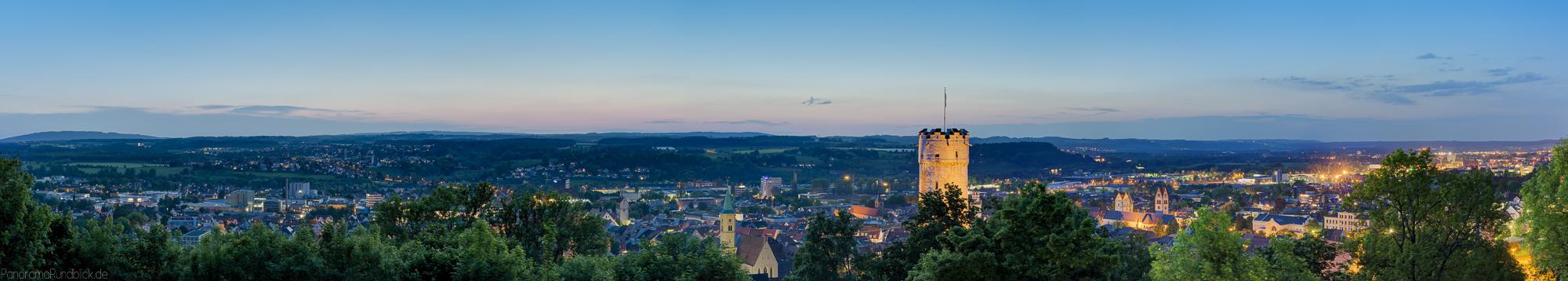 Panoramafoto von der hystorischen Altstadt Ravensburg im Lichterglanz