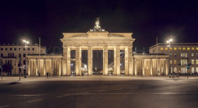 Platz des 18. März - Brandenburger Tor - Berlin