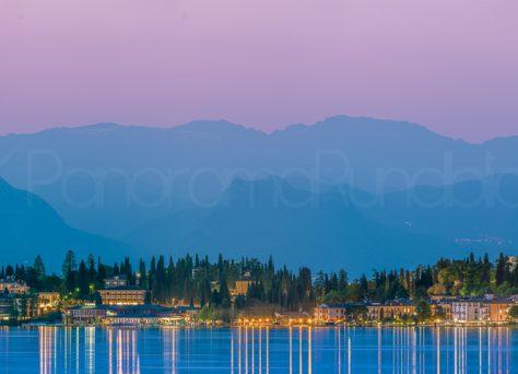 Sirmione di Garda zur blauen Stunde